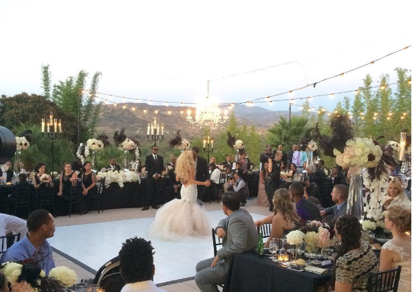 Los Angeles has some breathtaking scenery for wedding parties...