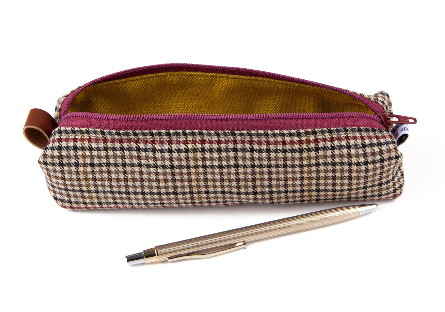 ©girlwithbeads_pencil_case_checked_red 1.jpg