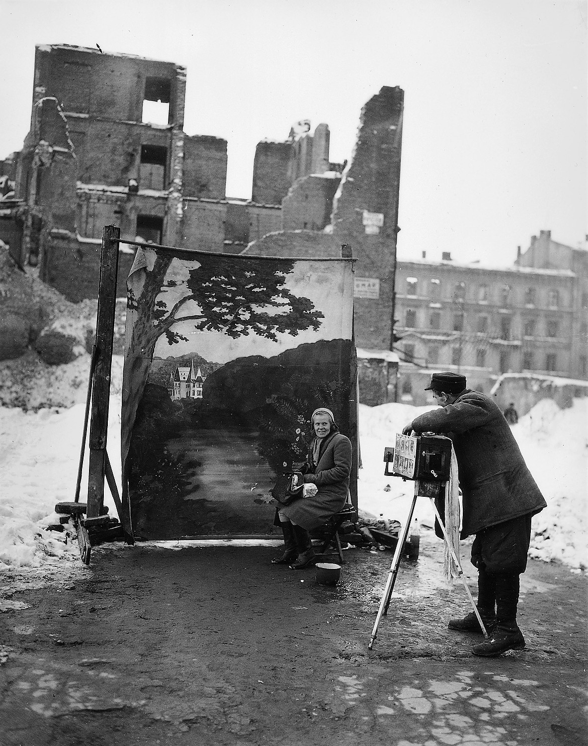 (Photo: Warsaw, 1946. Michael Nash AP)