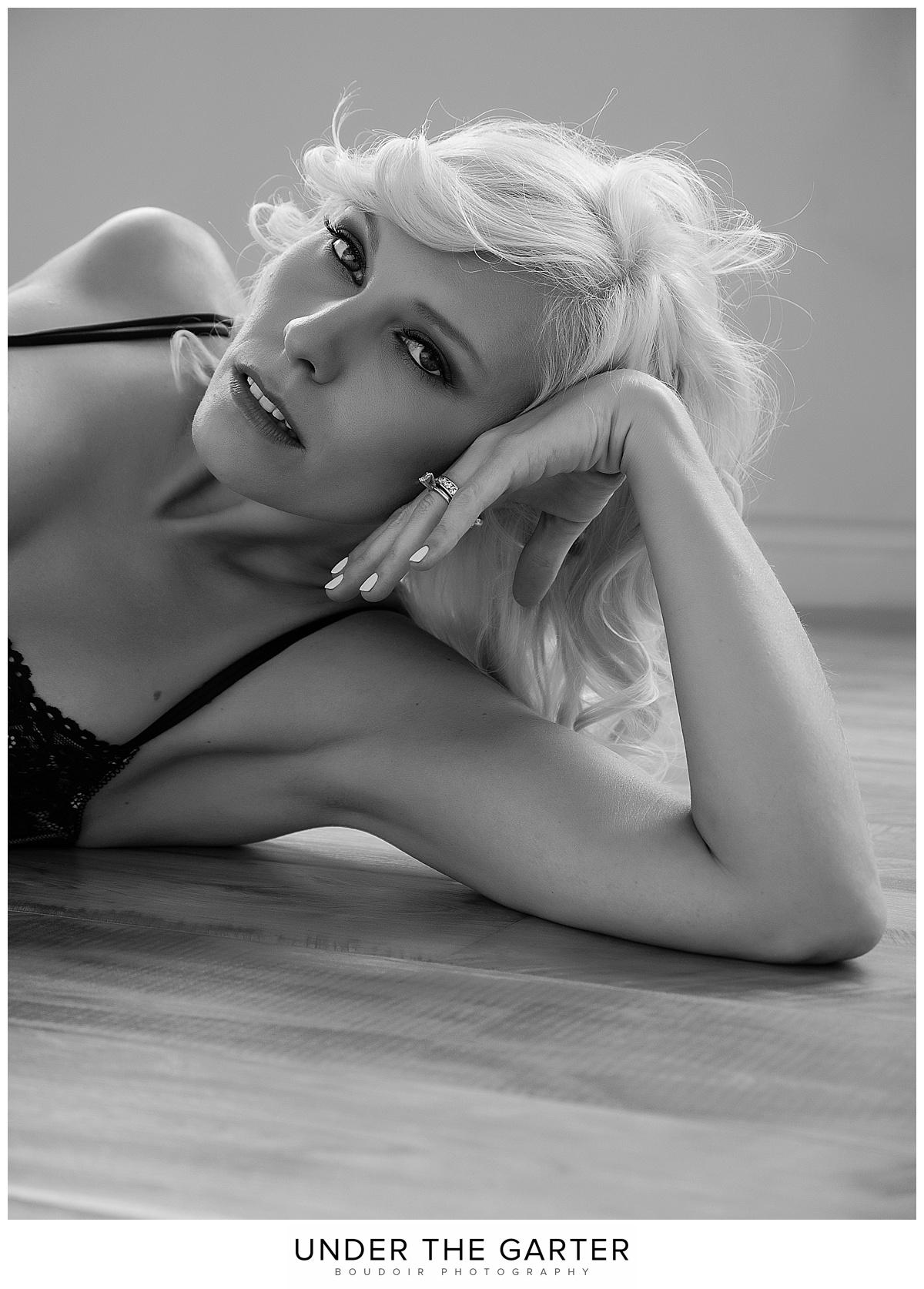 boudoir photography floor pose detail portrait.jpg