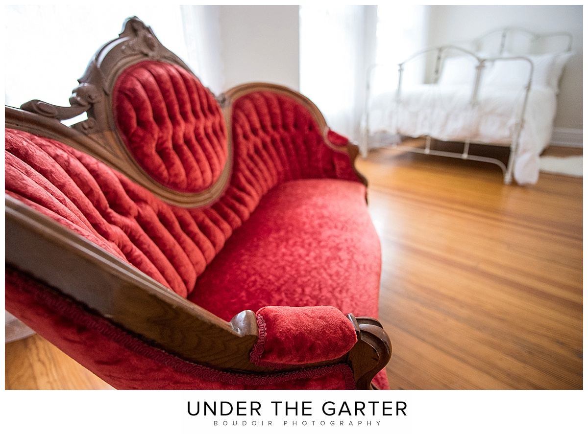 boudoir photography denver vintage red chaise.jpg