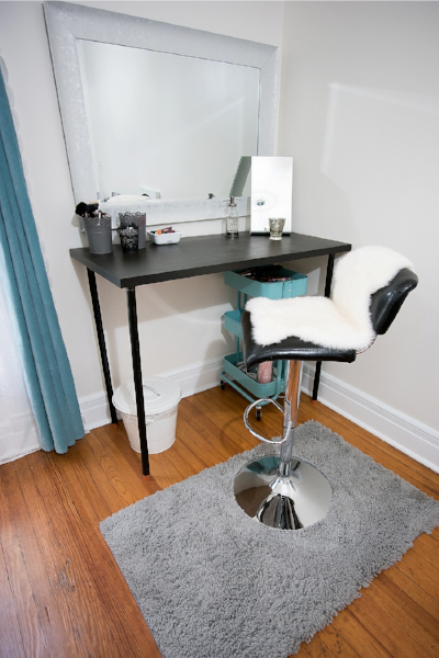 Boudoir photo makeup bar.jpg