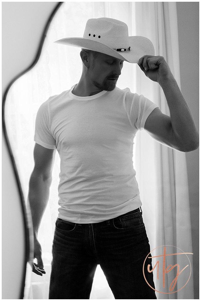 male boudoir photography denver cowboy hat.jpg