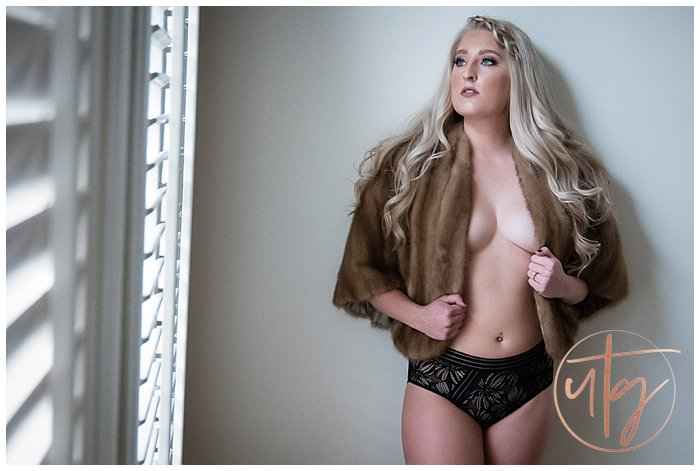 boudoir photography denver fur.jpg