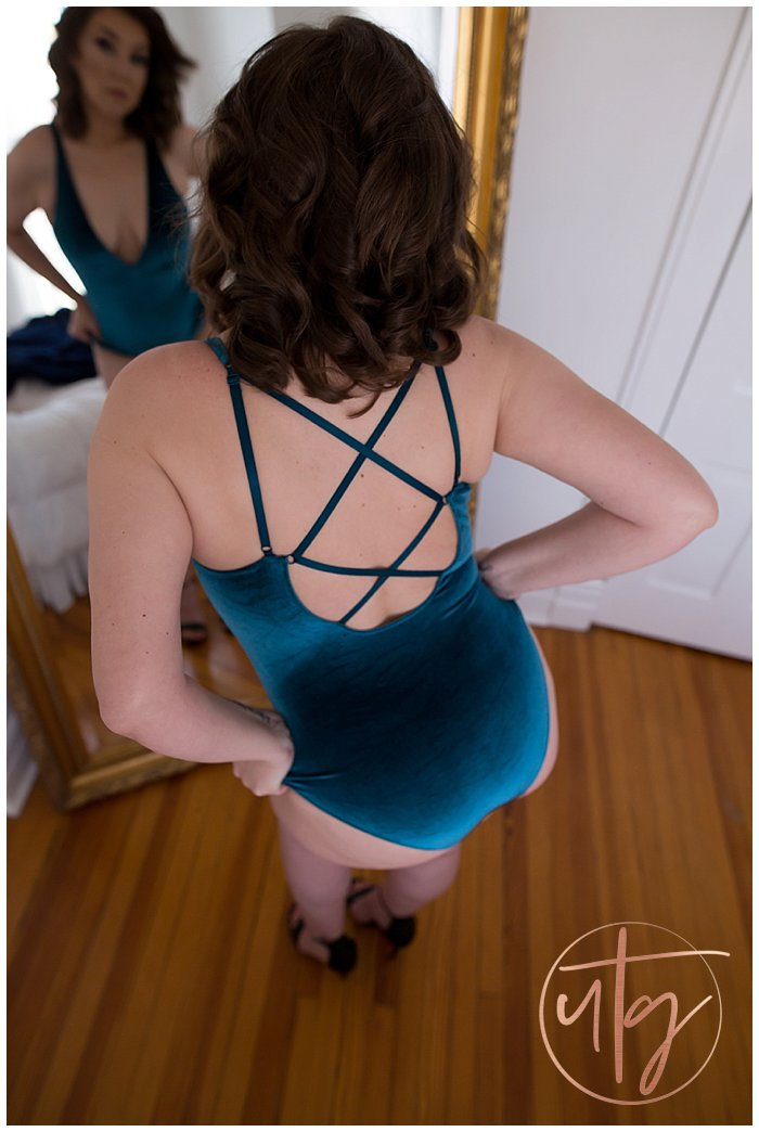 boudoir photography denver teal velvet bodysuit brunette.jpg