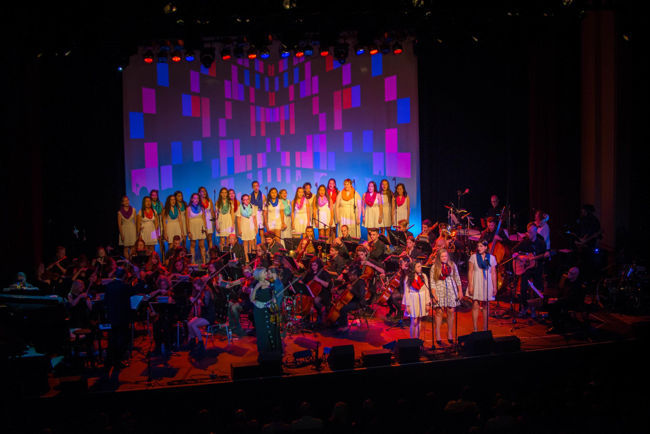 Hendrick Hudson High School Treble Makers Choir & soloists, Photo Credit:  http://www.spontaneousbeauty.com