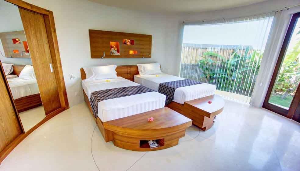 PoolView-Upper-2-beds-BaliFloatingLeaf.jpg