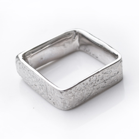 18K white gold cuttlefish texture band 8.5mm wide