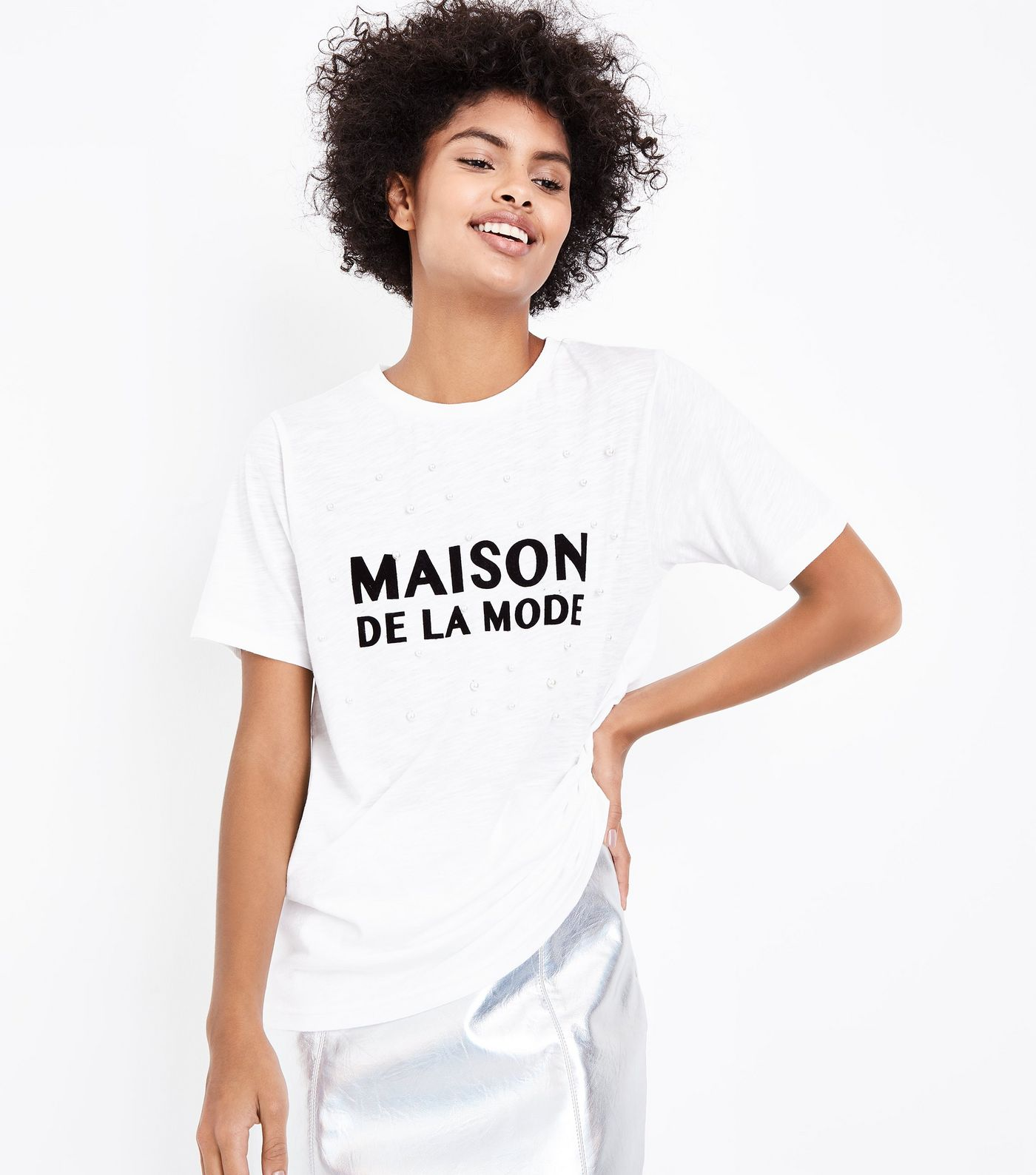 cream-maison-de-la-mode-slogan-pearl-embellished-t-shirt.jpg