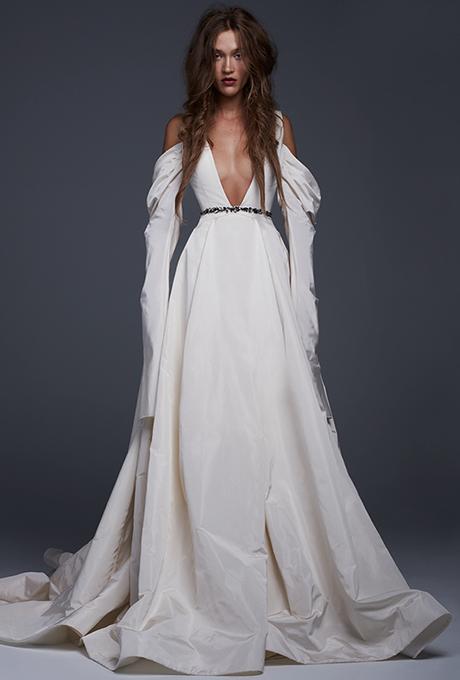 vera-wang-wedding-dresses-fall-2017-001.jpg