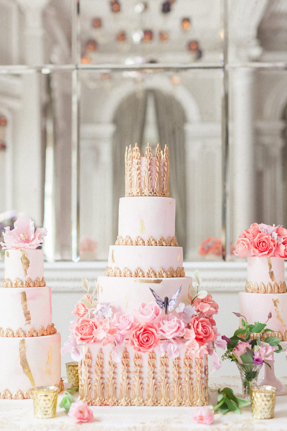 Regal and magical, I love the combination of blush pink and gold. Perfect for a summer wedding. Cake by Elizabeth's Cake Emporium. Image by Roberta Facchini