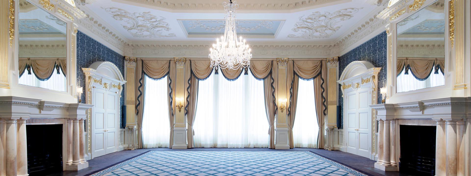 Claridges drawing room - Charlotte Munro luxury weddings