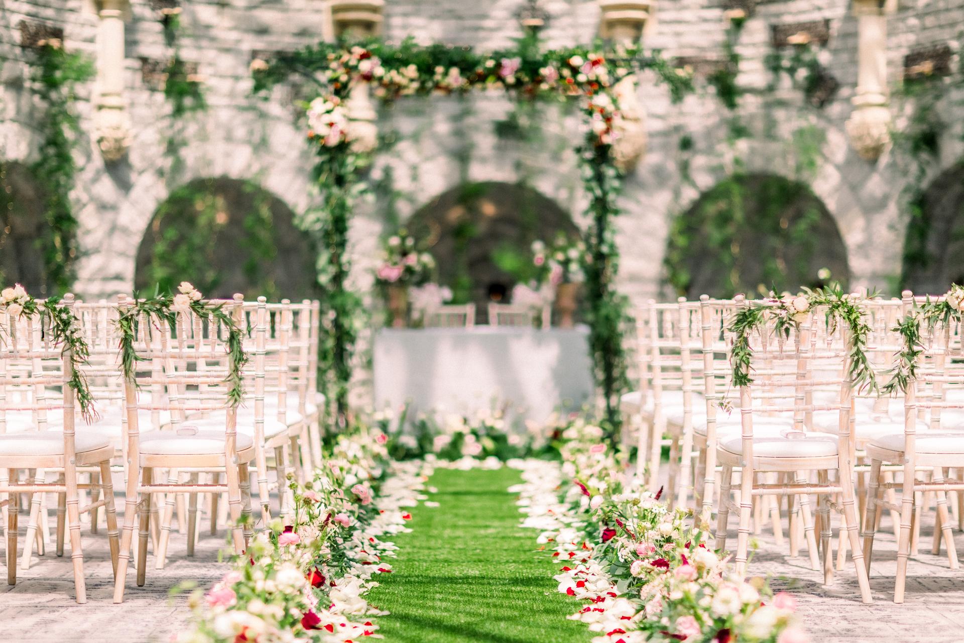 www.charlottemunro.co.uk | Charlotte Munro Wedding's essential wedding decor checklist for couples