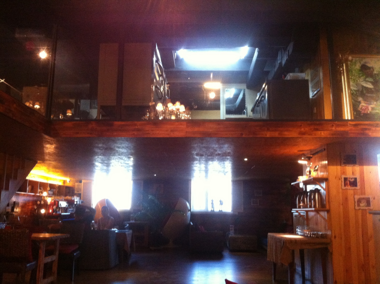 Gabeeyang interior and baking cubby hole