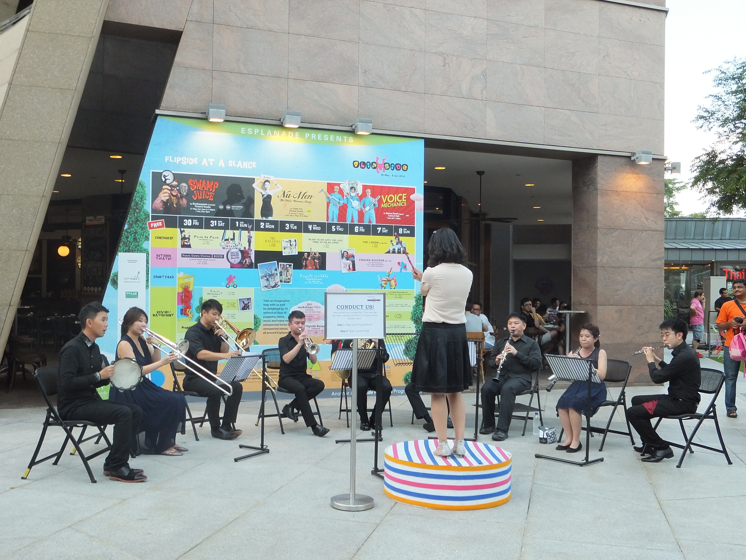 North Korean conducts an orchestra in Singapore!