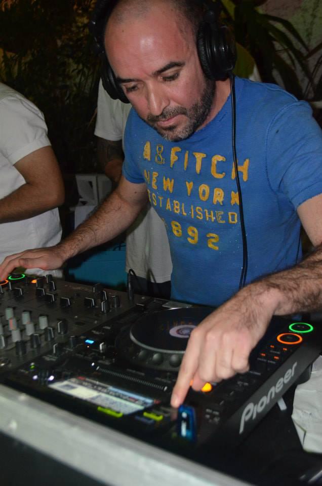 DJ ROD (Chile) specialies in Regaetton , Salsa , Cumbia , Merengue, Bachata, Cumbia Villera , Ska , Funk Brasileño , Cumbia Nueva Argentina / Uruguaya , Salsa Cubana, Champeta , Rock Latino , Top 40 Latino.