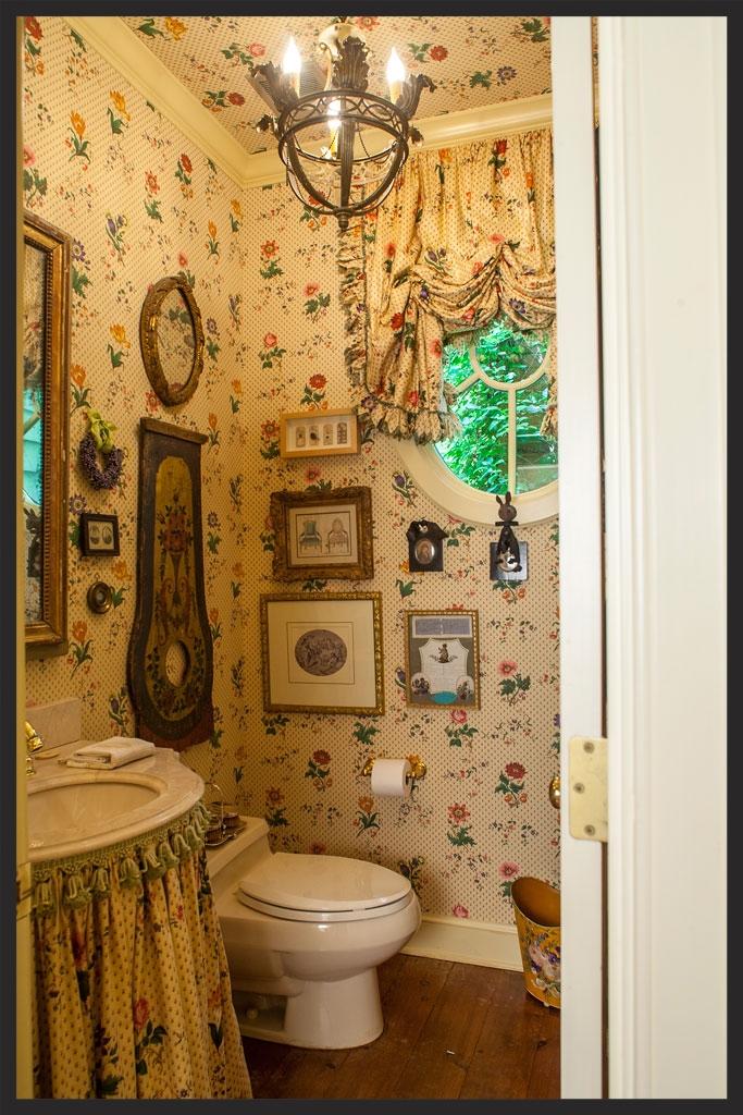 Powder room.  Linda Kay McCloy - alittleenglishinteriors.com
