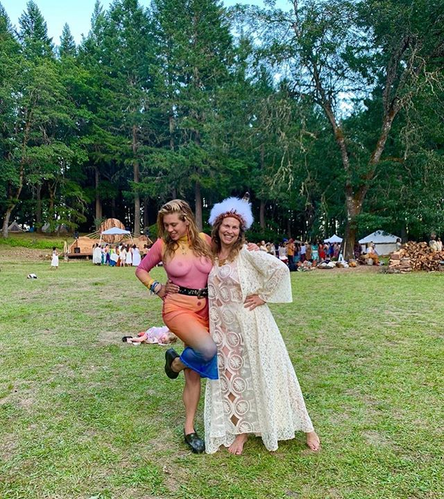 Mommy @crone_of_arc and me do @spiritweavers a few moons ago 🌙 such a great full and dimensional experience🦠🌿💚 • • • #spiritweavers #family #femme #nature #cavejunction #spiritweavers2019 #mother #family #naturemama