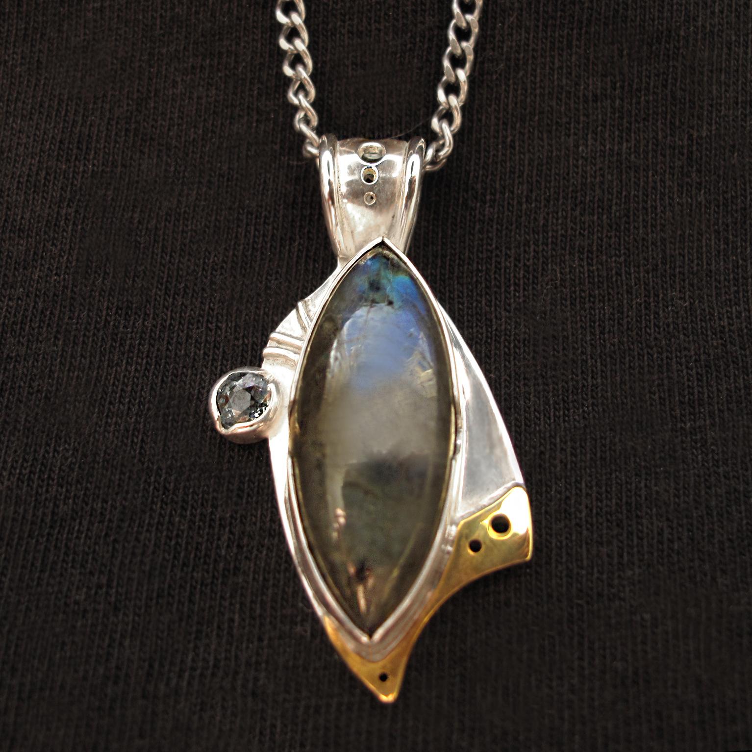 :: Detail ::  10mm x 25mm Labradorite 4mm round Peridot Sterling Silver  Brass accent