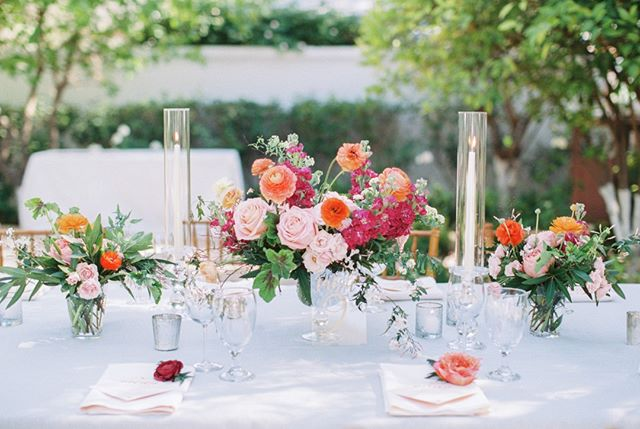 These bright florals by @carteblanchedesign are one of my favorite floral designs I've photographed. I love color! You don't see it implemented often enough in weddings and it was done so thoughtfully at this alfresco wedding with @revelweddingcompany.⠀⠀⠀⠀⠀⠀⠀⠀⠀ Planner: @revelweddingcompany // Florals: @carteblanchedesign // Venue: @elchorroweddings // Stationer: @idiehdesign // Calligraphy: @freedhands // Rentals: @glamourandwoods #arizonalove #brealynnenesweddings