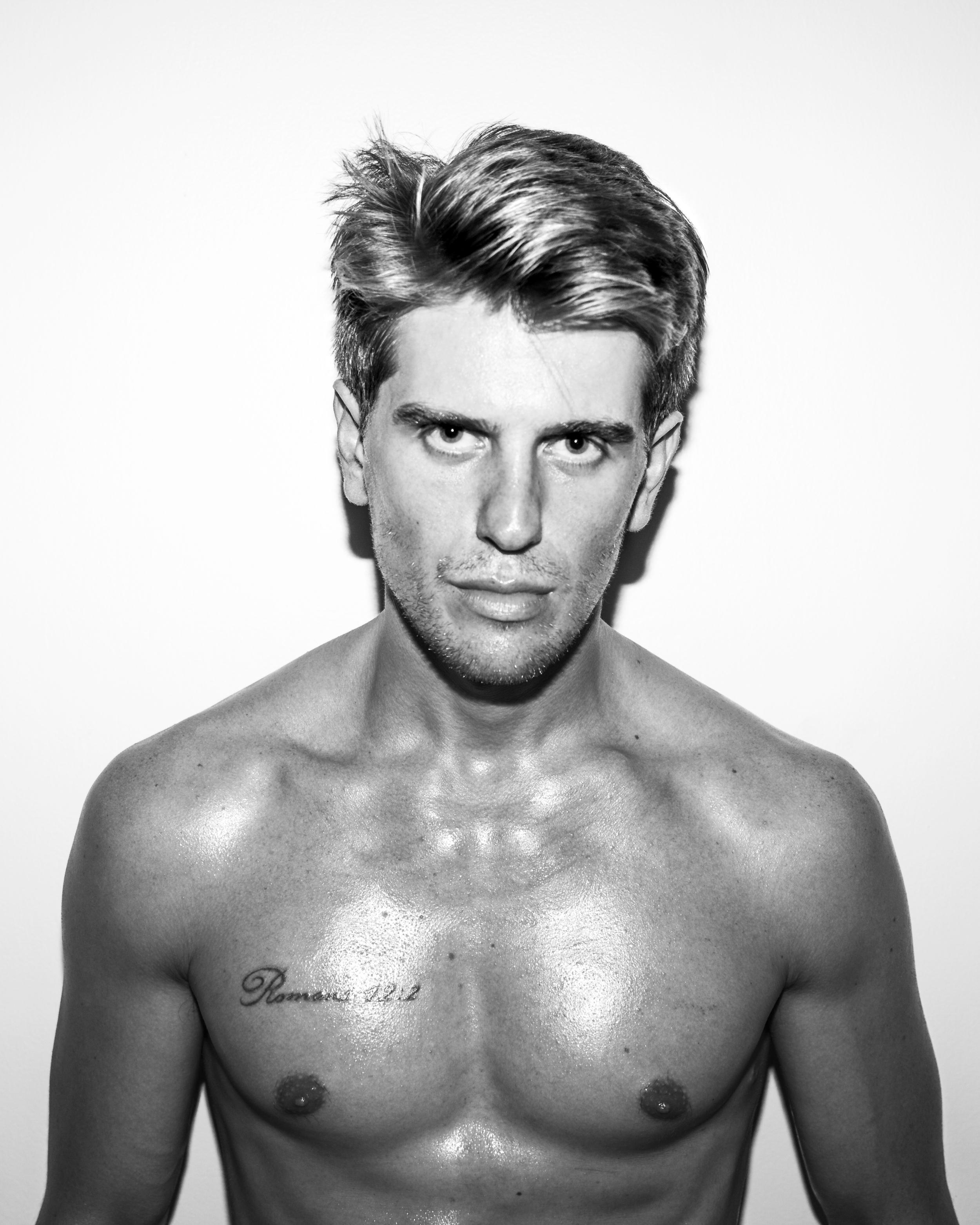 shirtless3.jpg