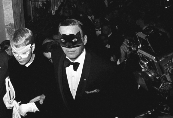 Mia Farrow & Frank Sinatra, N.Y., 1968