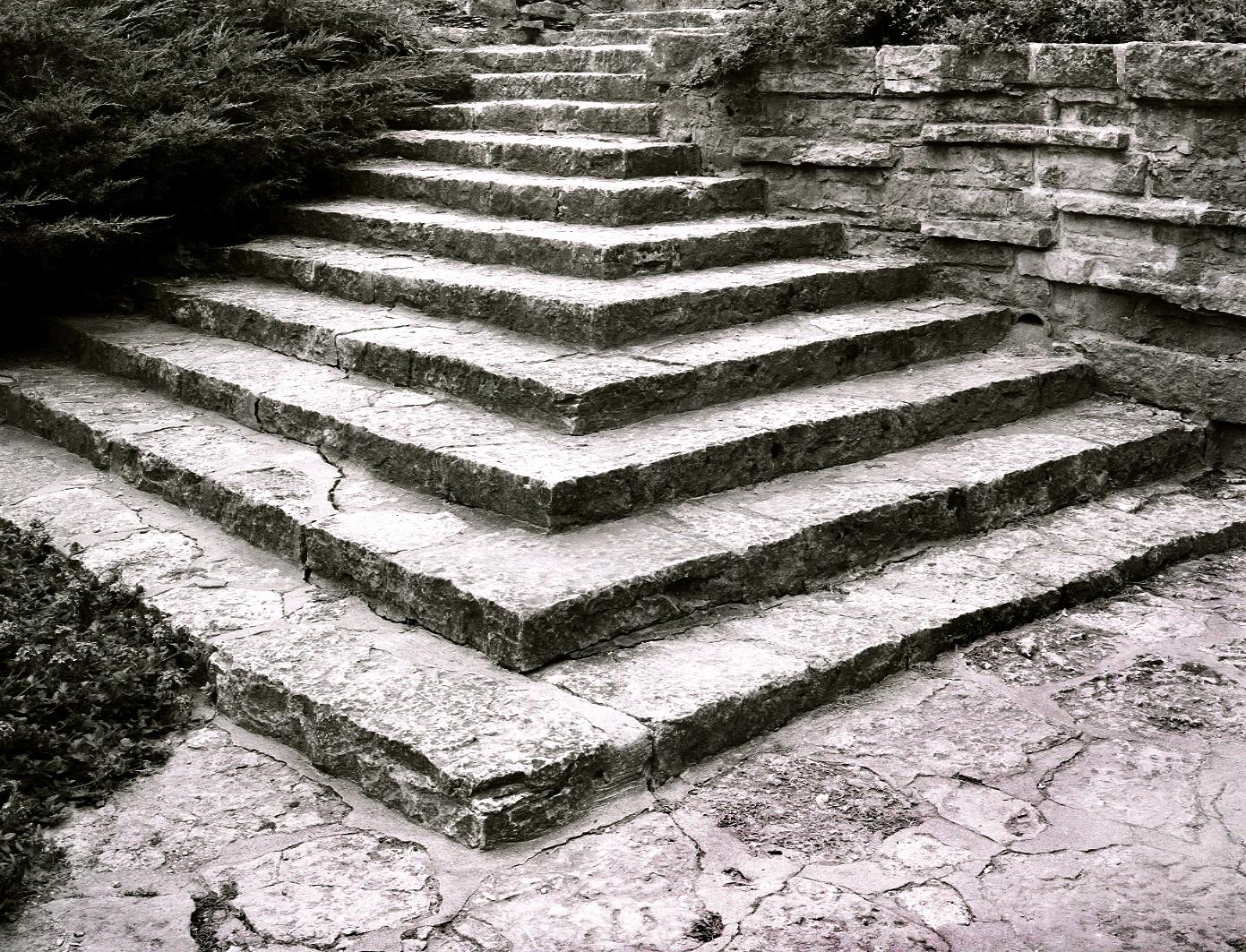 26- Taliesin Front Garden Stairs