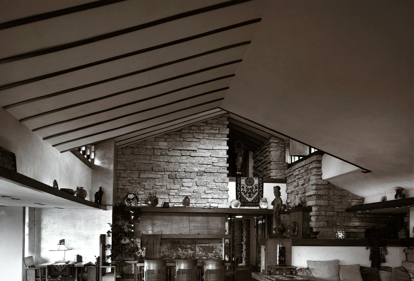 28- Taliesin Living Room