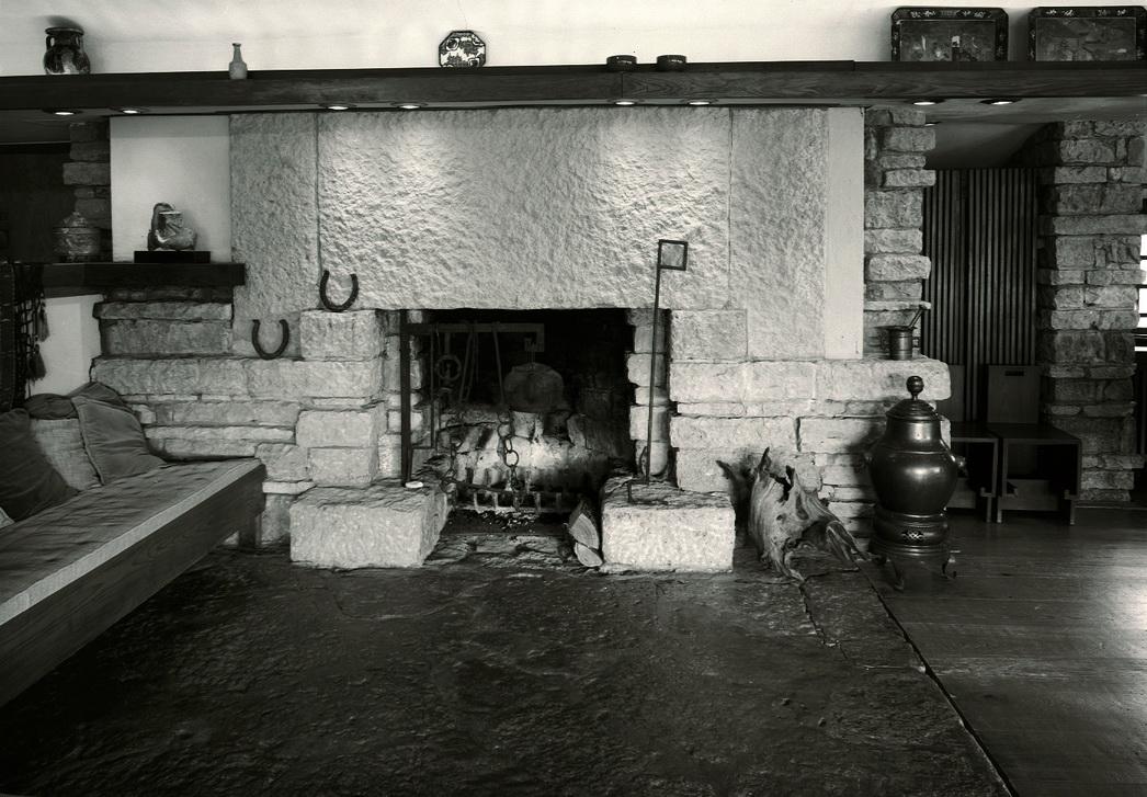 29- Taliesin Living Room FP