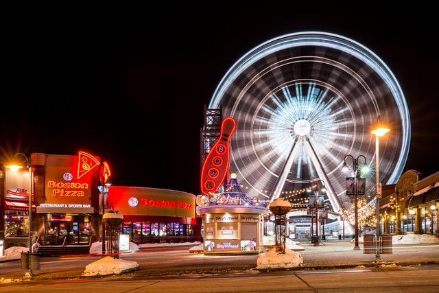Niagara Strip at Night