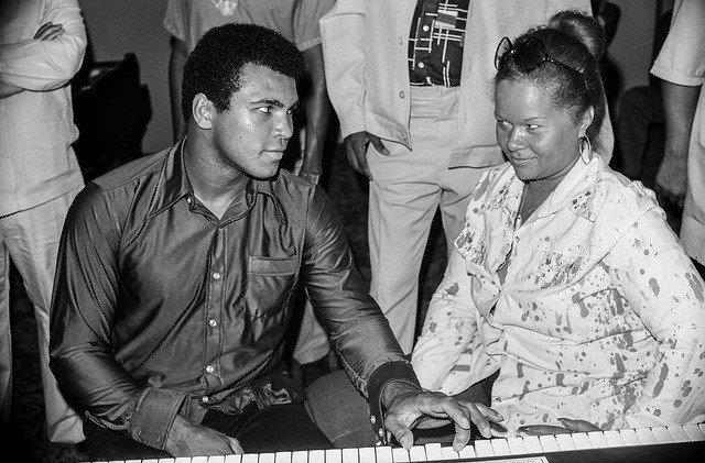 Ali and Etta James Playing Piano, Zaire, 1974