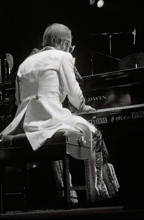 Elton John-1 (1)_00012.jpg