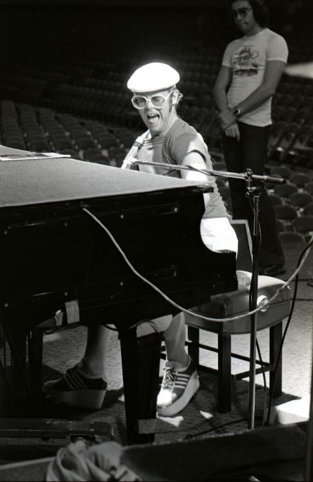 Elton John-22_00032.jpg