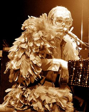 Elton1.jpg