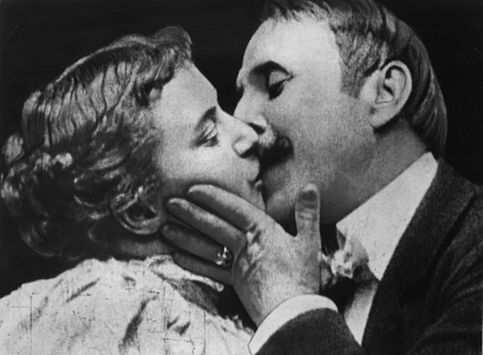 The-Kiss-Thomas-Edison-1896.jpg