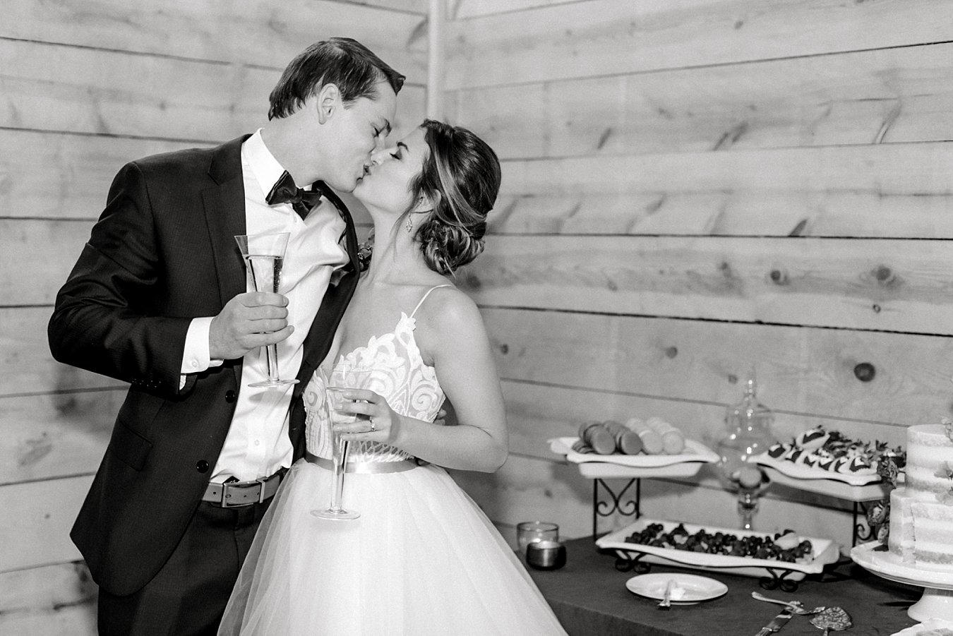 Addison-Grove-Wedding-Photos-Dripping-Springs-TX-6011.jpg