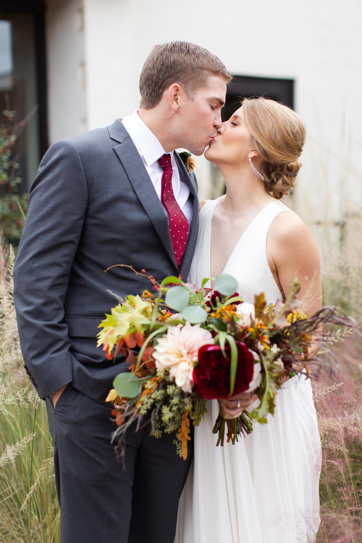 Holly and Blaine Wedding Previews-29 (Copy).jpg