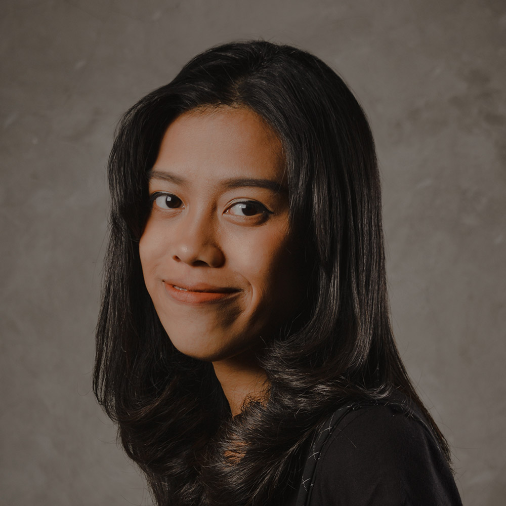 KANIA ARIESTINOVA  | Graphic Designer  Kania was born in Jakarta on March 28th, 1995. She graduated from Universitas Multimedia Nusantara, Tangerang in 2016 with S1 title in DKV (graphic design).  Kania was an intern in Indigo, before she decided to join the team permanently as graphic designer in 2016. She is responsible for signage concept making, presentation design, graphic content, and project coordination.   Download CV