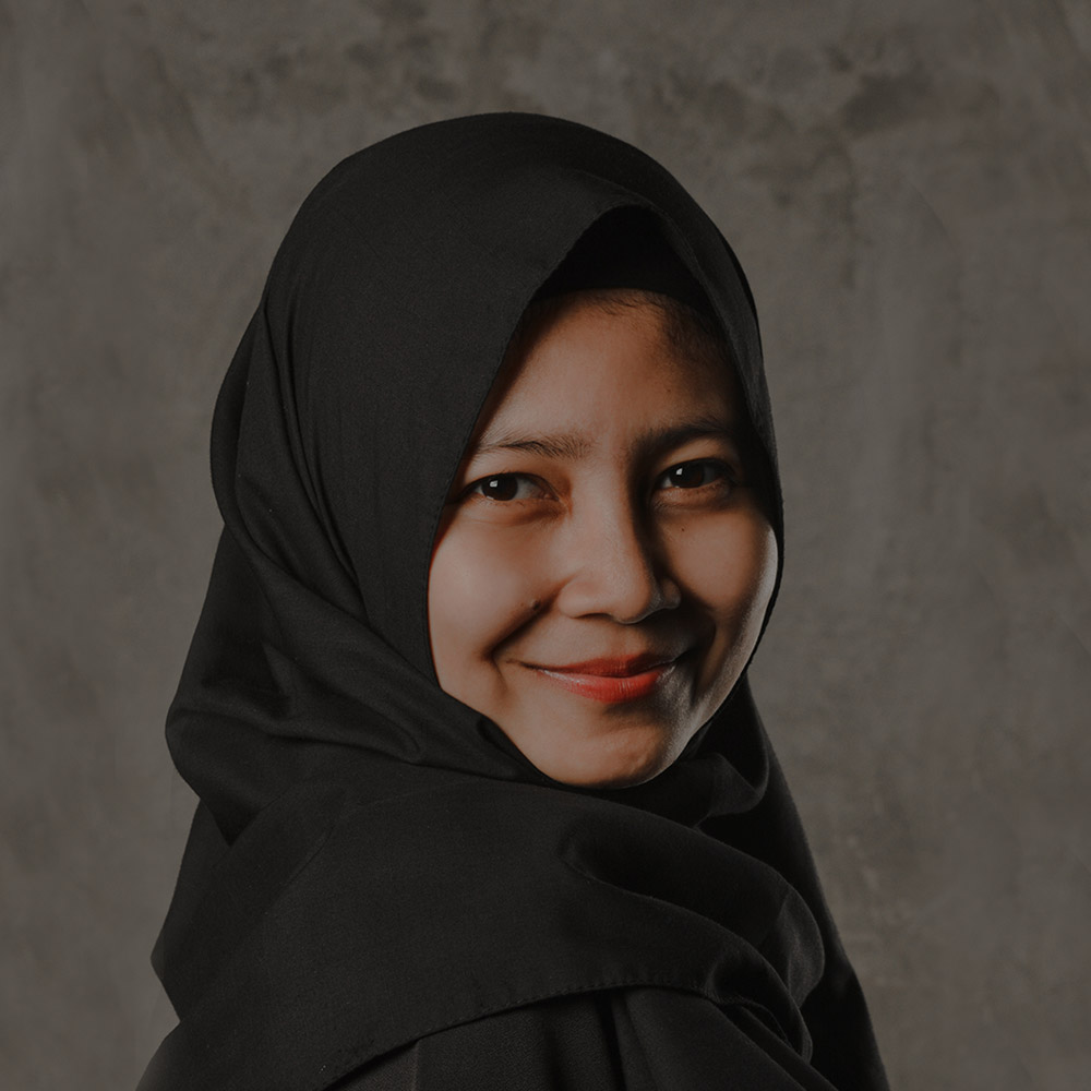 DESY NOOR ARYANTI  | Architectural Drafter  Desy was born in Bandung on December 7th, 1991. She graduated from Universitas Pendidikan Indonesia, Bandung in 2013 with a D3 title of Housing Architectural Engineering. Later on, she continued her education in Institut Teknologi Bandung and graduated in 2016 with S1 title in Architectural Engineering.  Desy joined Indigo in 2017 as an architectural drafter and she is responsible for the technical drawings.   Download CV