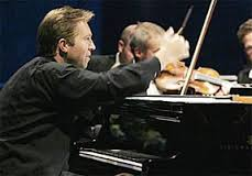 Leif Ove Andsnes directing from the keyboard