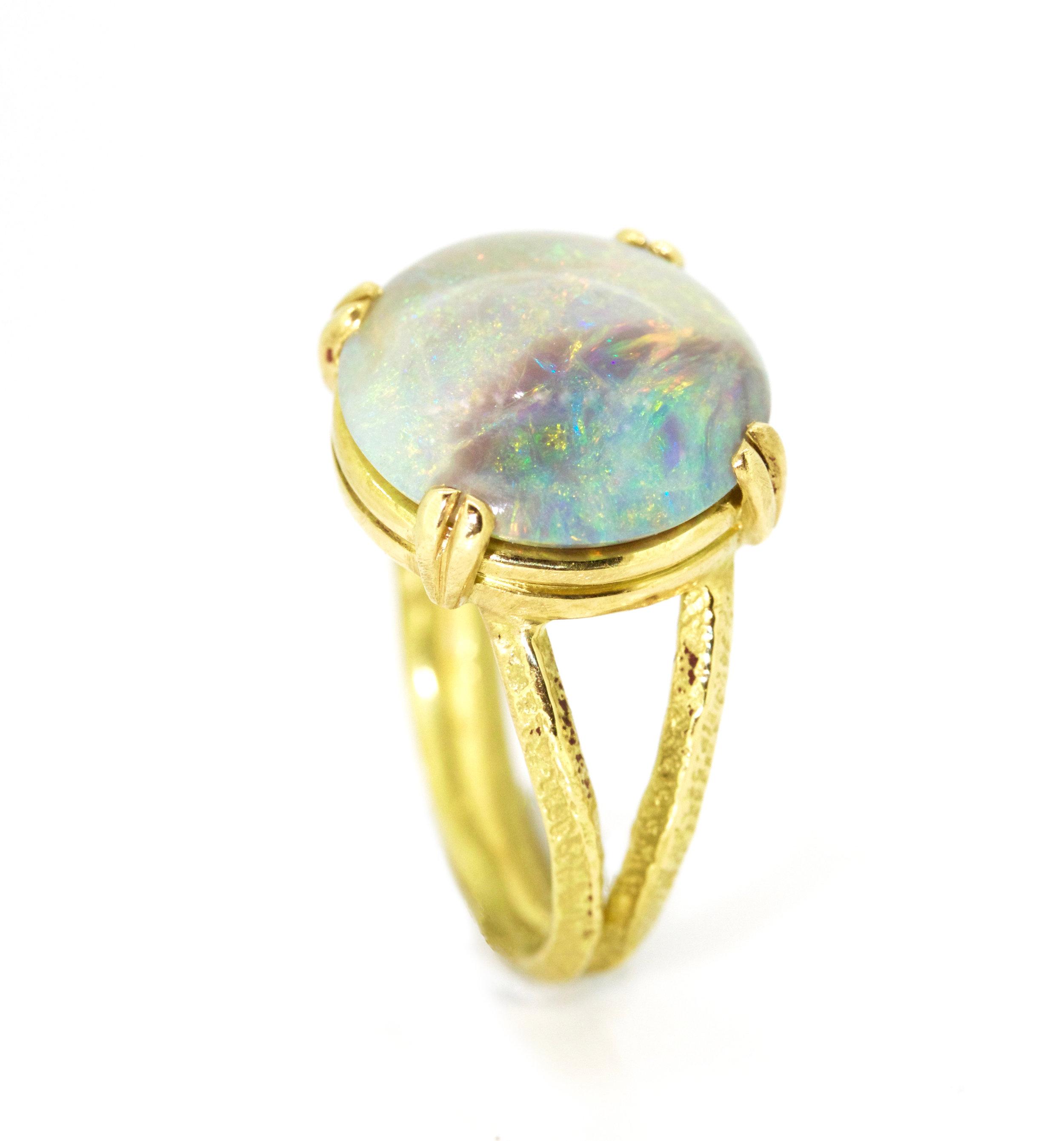 Coober Peedy Opal ring sorrel bay.JPG