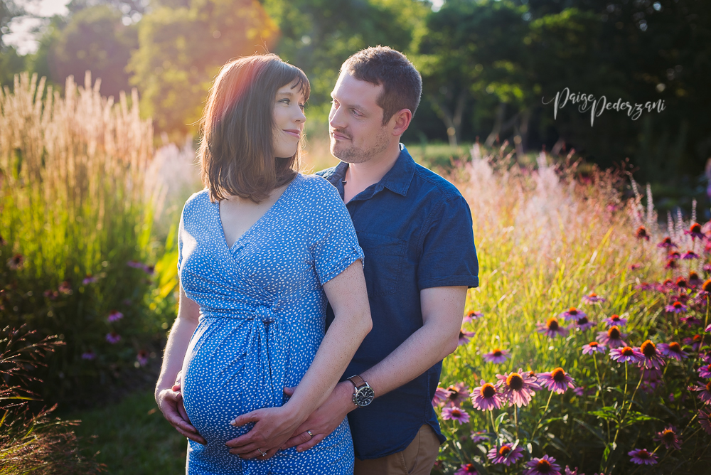 - I meet Christine and Scott recently when they decided to book me for their Maternity and Newborn Session. They seem like a wonderful couple that will make amazing parents to their soon to be here bundle of joy! I cannot wait to meet the newest addition to their family. We met up a beautiful Sunday evening at Ault Park in Cincinnati. I love how amazing the light is at a sunset photography session!