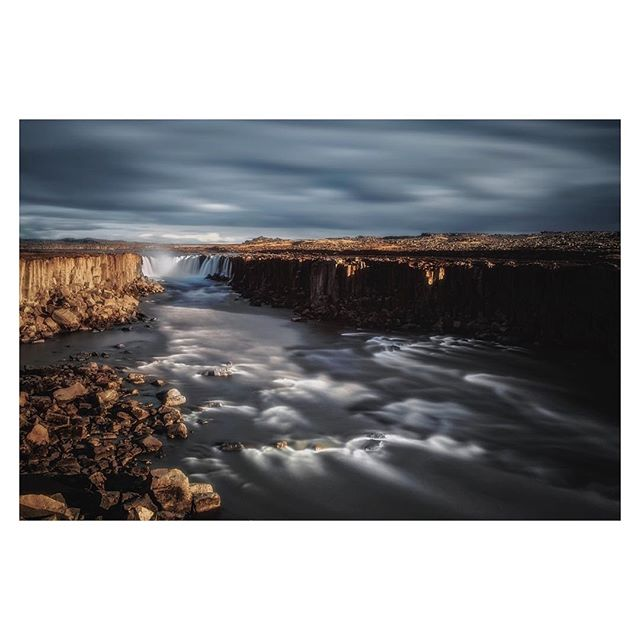 A long exposure of Selfoss waterfall, 1.4km upstream from Dettifoss waterfall in northern Iceland  #iceland #selfoss #dettifoss