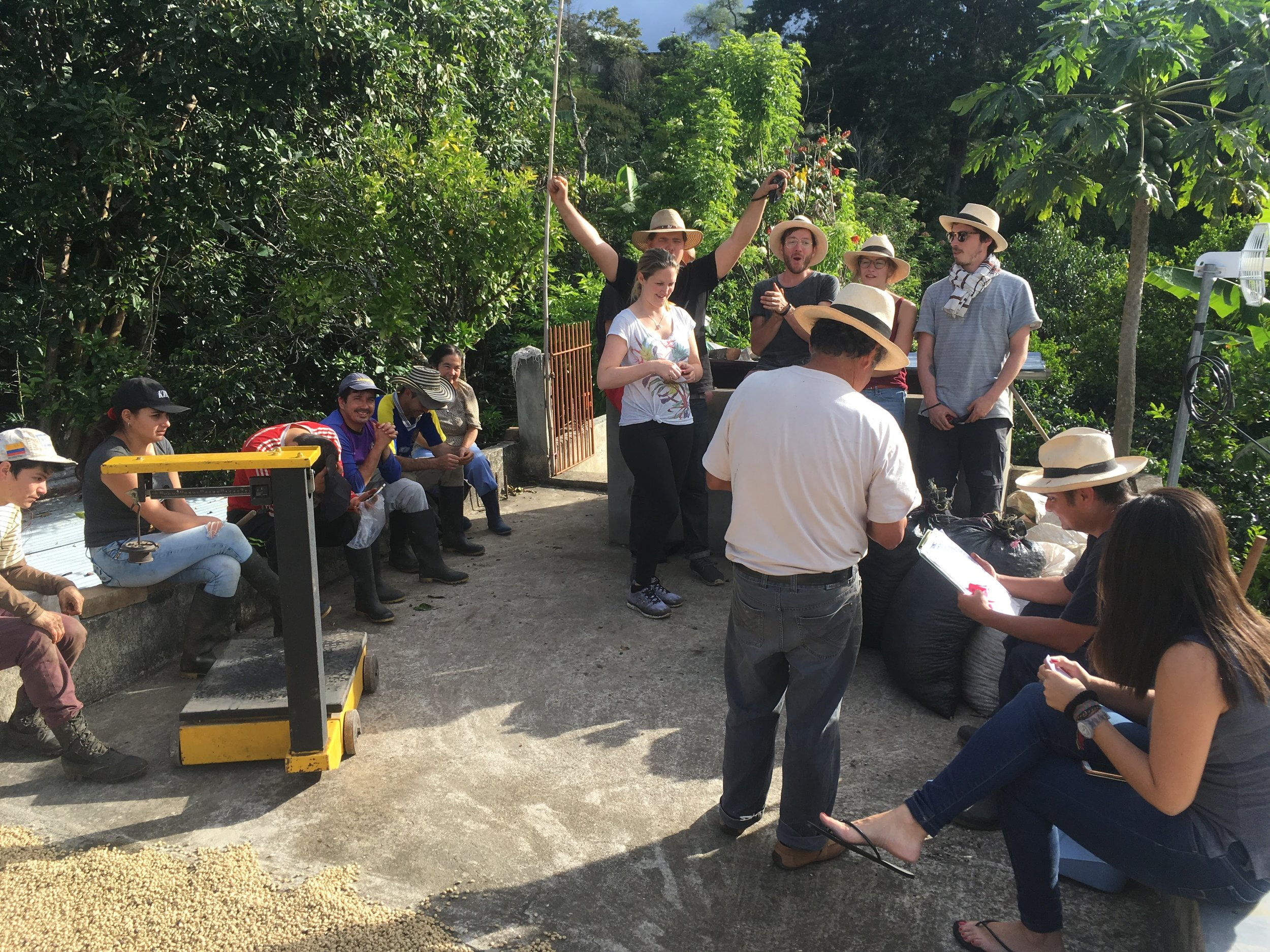 Weighing the day's harvest. Lousy pickings on the European right, good pickings on the Colombian left...
