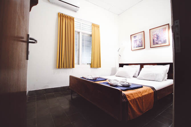 PRIVATE ROOM - Max. 2 person occupancyShared coed toiletsShared coed showers (hot water avail.)