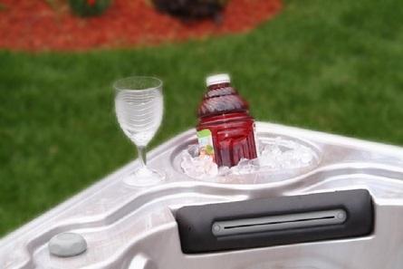 CONVENIENT ICE BUCKET  Built-in luxury to help you unwind.