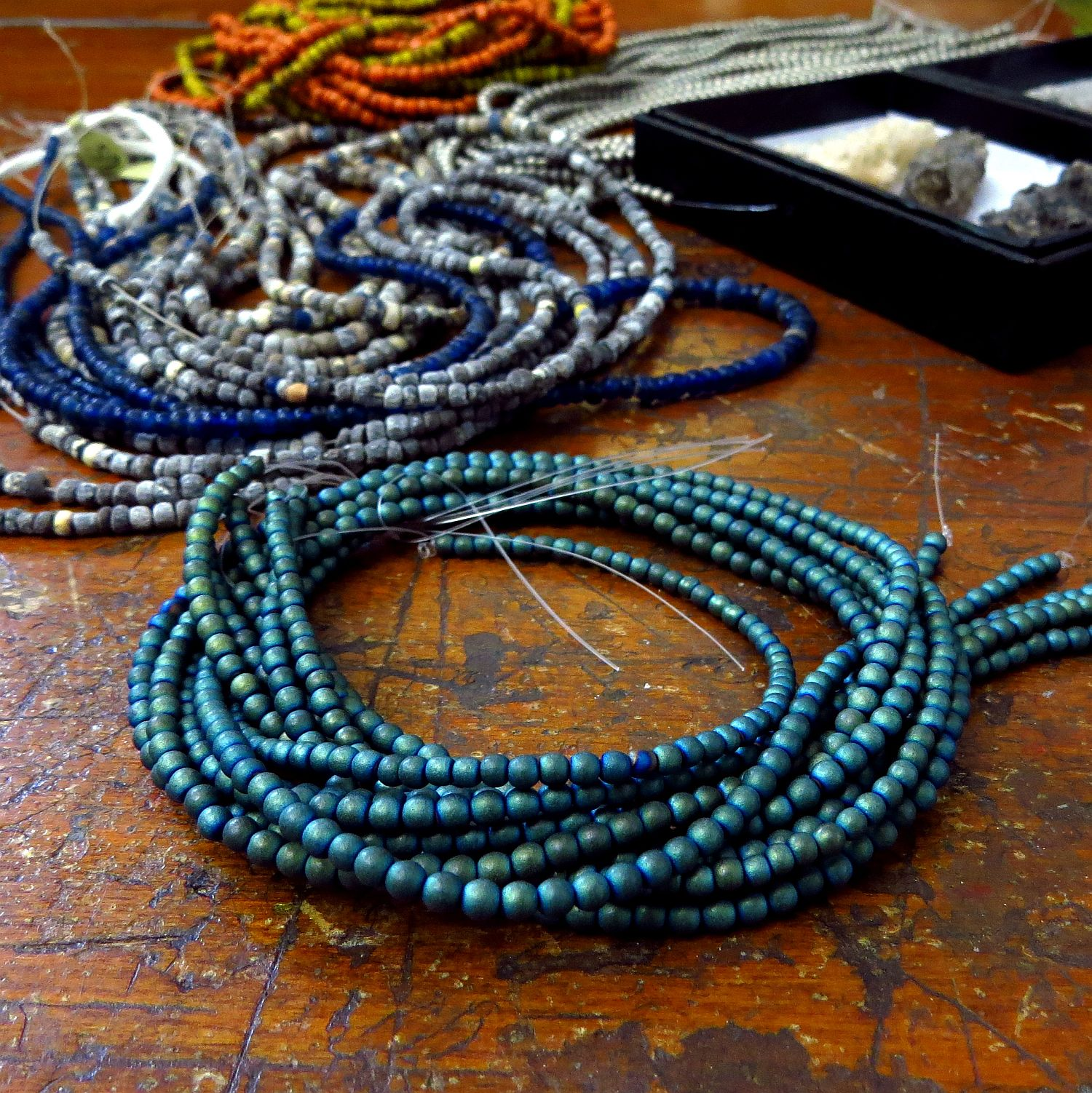 these have the coloring of azurite ... turquoise to blue