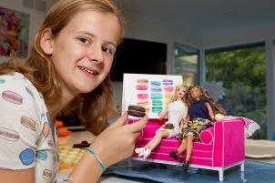 Alice barbie-macarons.jpg