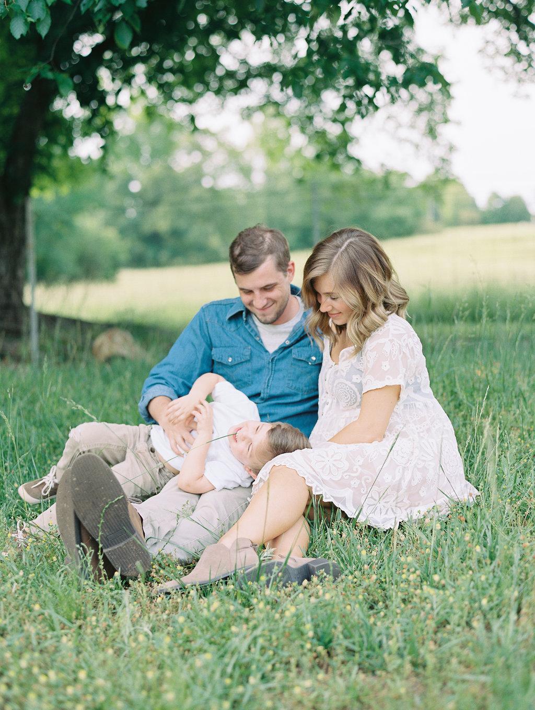 North-Georgia-Family-Session-atlanta-wedding-photographer-hannah-forsberg-9.jpg