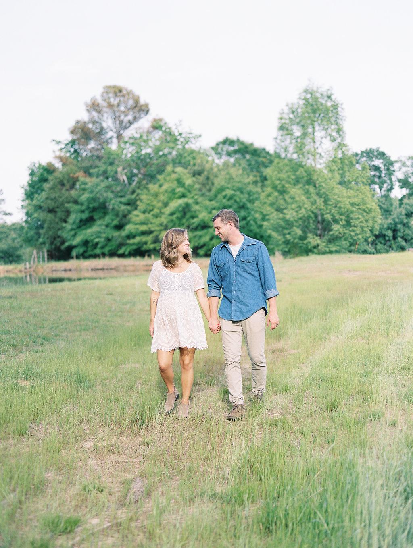 North-Georgia-Family-Session-atlanta-wedding-photographer-hannah-forsberg-12.jpg